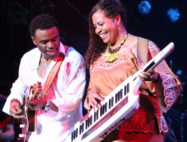 Norman Brown with his Musical Director on stage at the Nile Jazz Safari