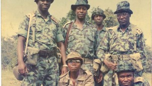 L-R: Col Kizza Besigye, Maj Amanya Mushega, Maj Kaka, Maj Tom Butime, and other bush war comrades pose for a photo. Monitor Photo