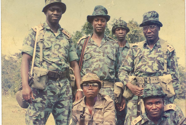 L-R: Col Kizza Besigye, Maj Amanya Mushega, Maj Kaka, Maj Tom Butime, and other bush war comrades pose for a photo. Monitor Photo