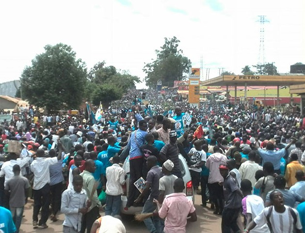 Besigye-crowds